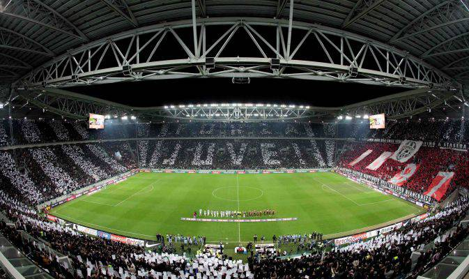 Juventus-Torino, striscioni contro Superga allo Stadium