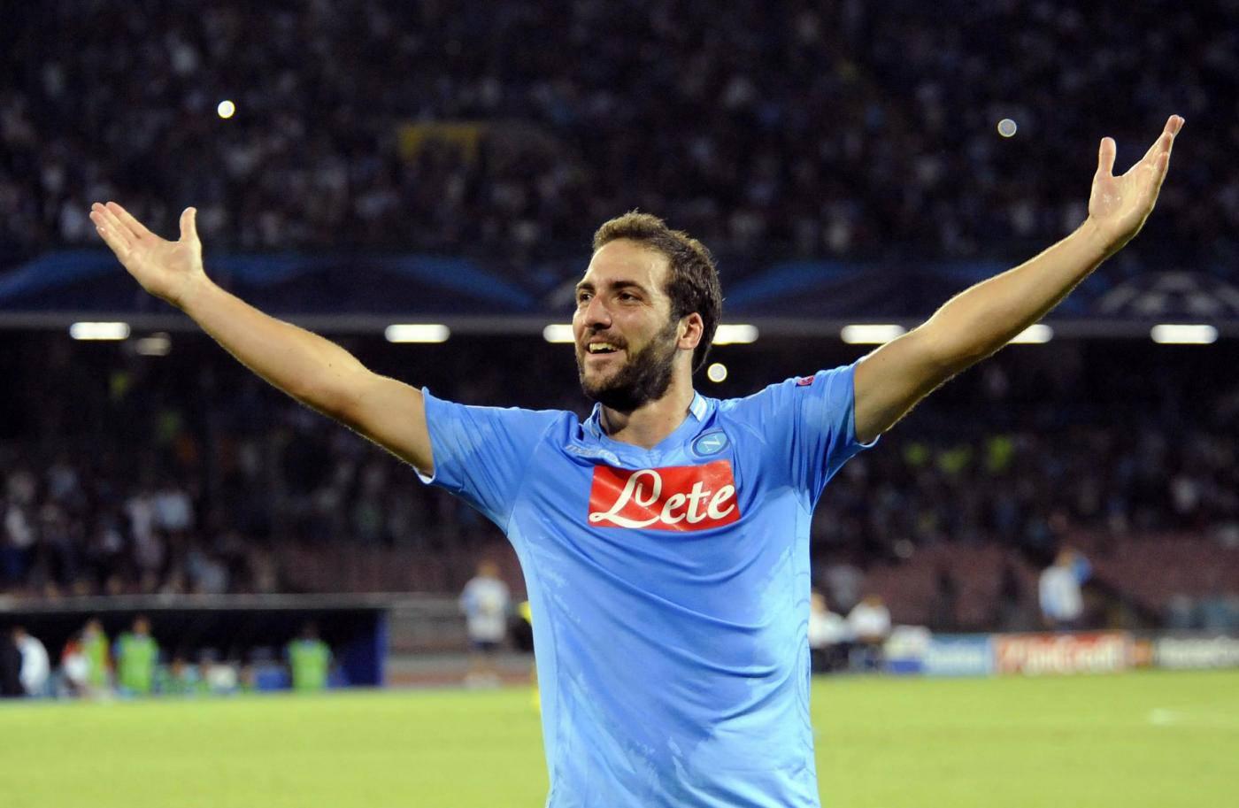 Calciomercato Napoli, 80 milioni per Higuain: i tifosi azzurri tremano