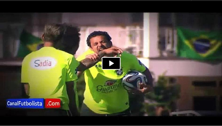 Video Fred da un morso a Marcelo