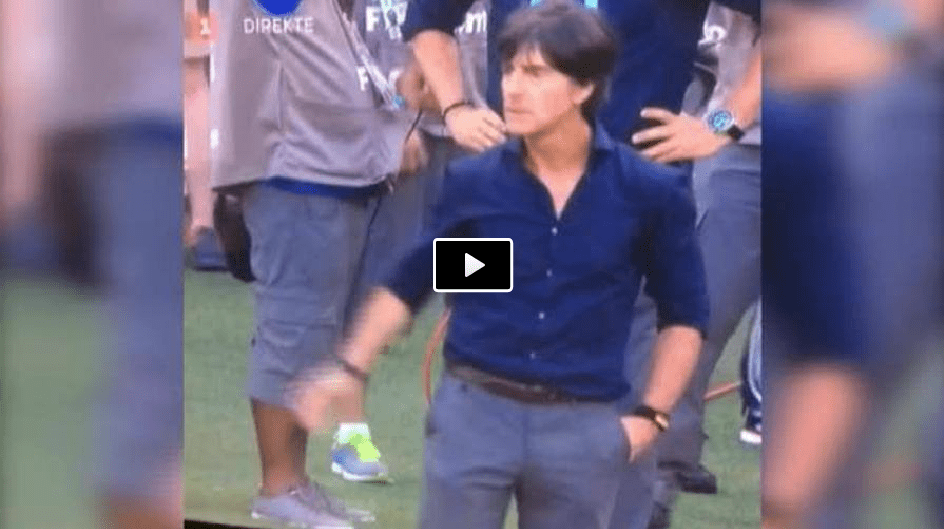 Video, Low stringe la mano a Cristiano Ronaldo