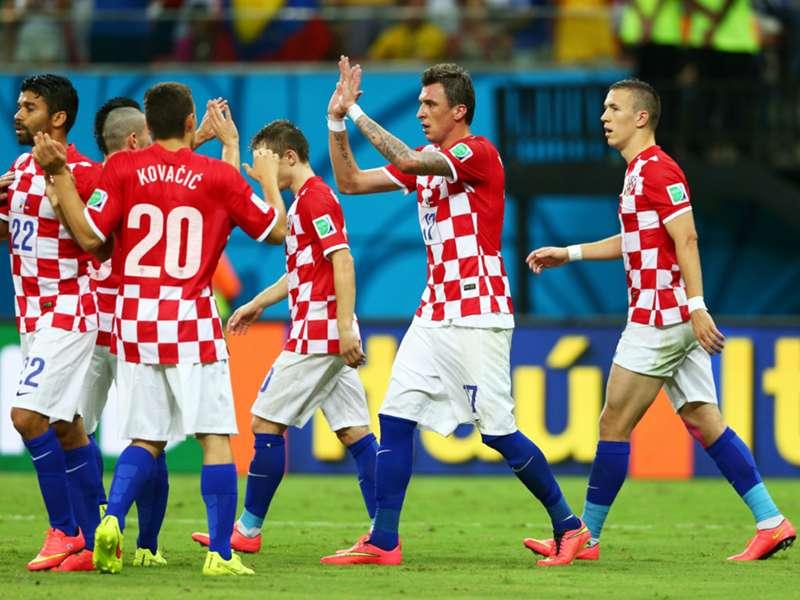 Rinasce la Croazia, Spagna al tappeto. Rooney fa commuovere
