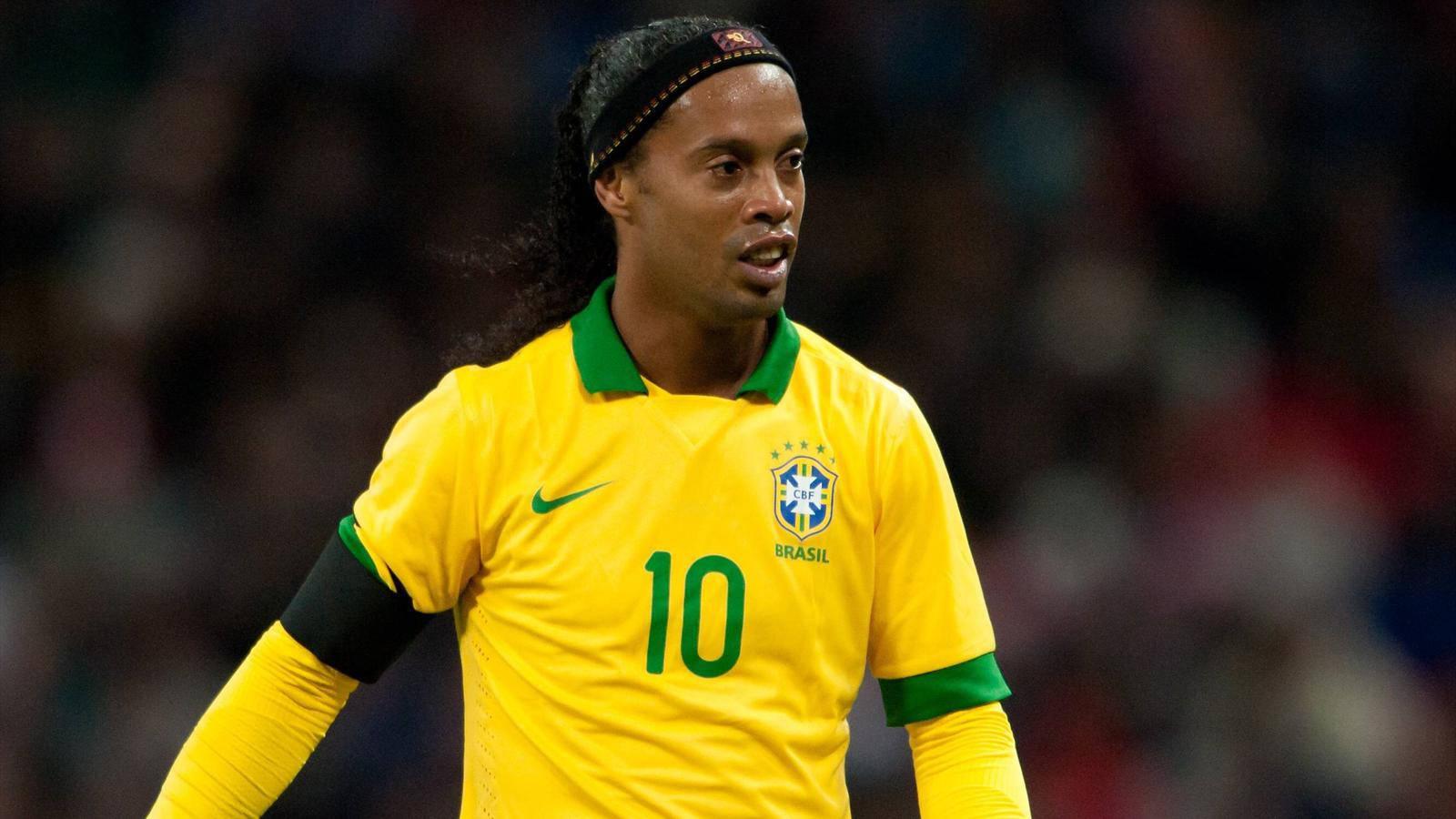 ronaldinho, dice addio al calcio
