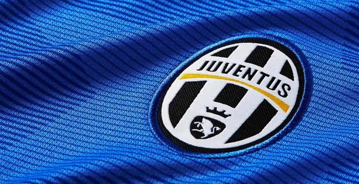 La nuova maglia della Juventus: le foto ufficiali
