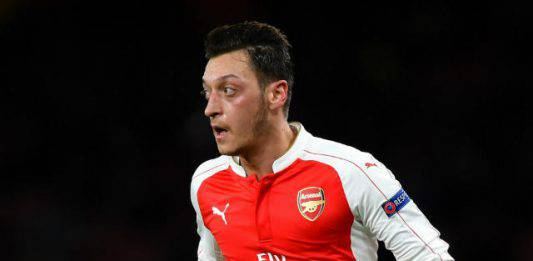 Calciomercato Inter, l'Arsenal mette alla porta Ozil e lo of