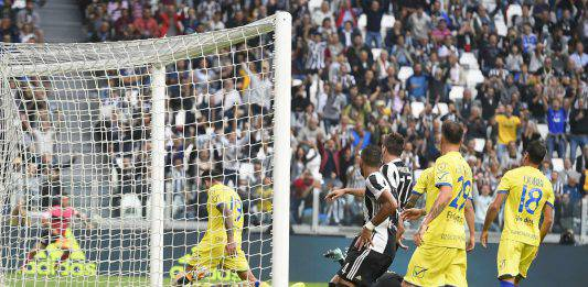 Juventus-Chievo probabili formazioni: Allegri perde Pjanic e Douglas Costa
