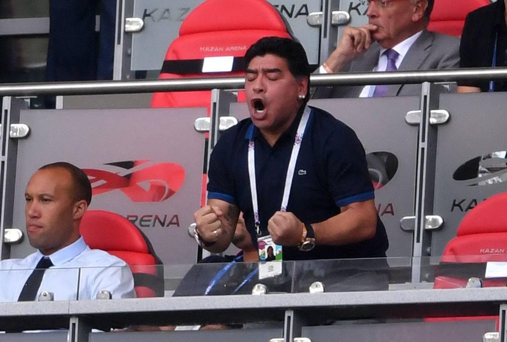Morte Maradona numero 10