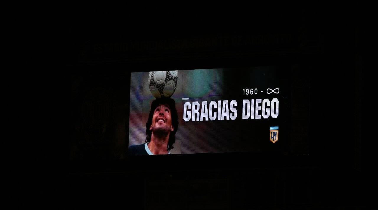 Maradona, calciatrice spagnola protesta contro il minuto di silenzio: ecco il motivo