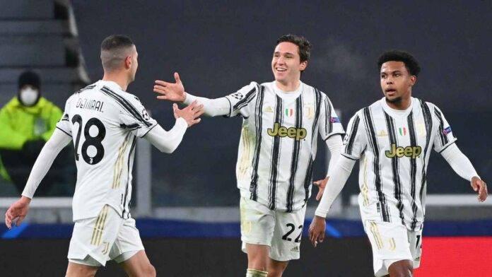 Federico Chiesa festeggia dopo un gol