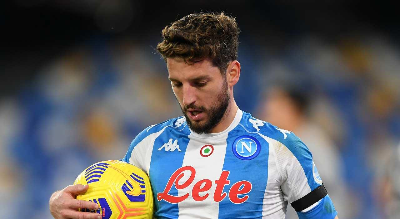 Infortunio Mertens, tornerà a disposizione del Napoli nel 2021. Le news