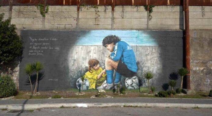 Murale Maradona Centro Paradiso