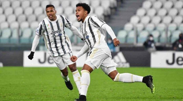 McKennie esulta con la Juventus