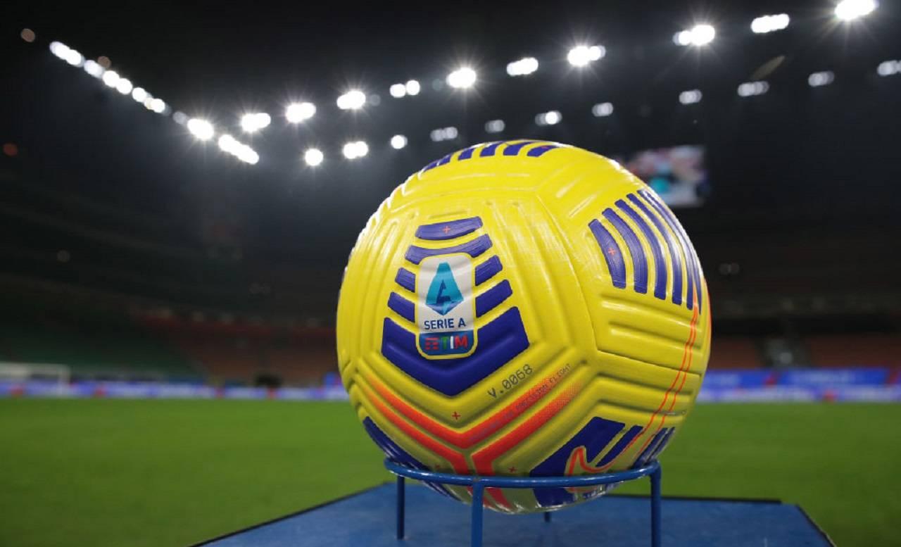 Gaffe social della Lega: auguri per tutti, ma non alla Lazio