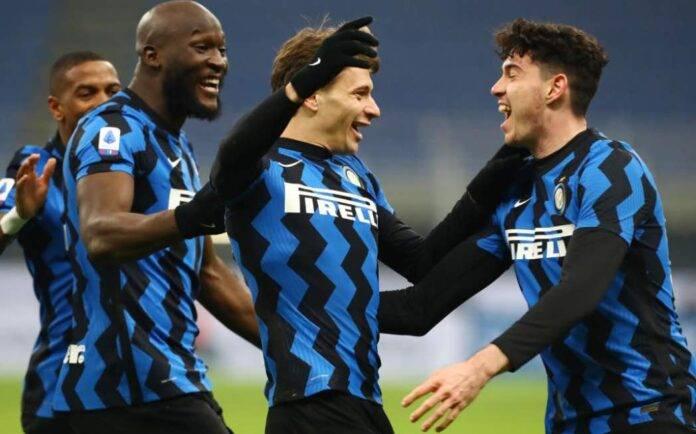 Inter, Barella festeggia con Lukaku e Bastoni
