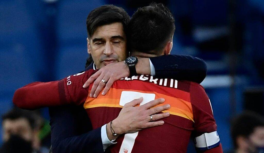 Abbraccio tra Fonseca e Pellegrini