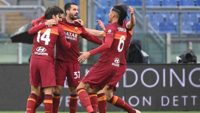 La Roma esulta al gol