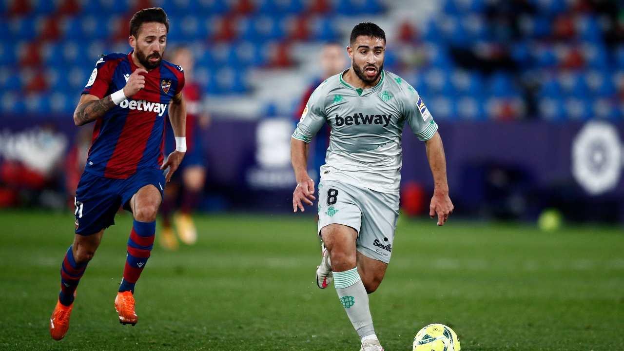 Nabil Fekir in azione