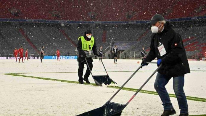 Allianz Arena sommersa dalla neve
