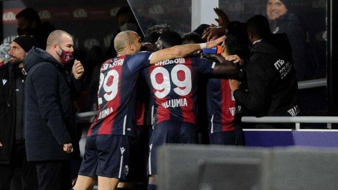 Il Bologna esulta al gol