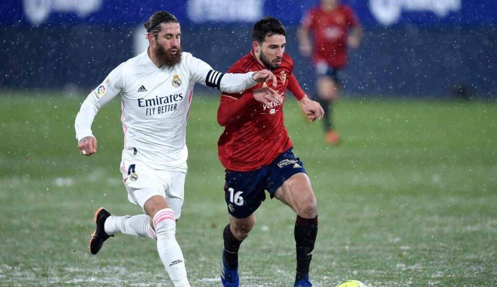 Sergio Ramos lotta su un terreno ai limiti della praticabilità