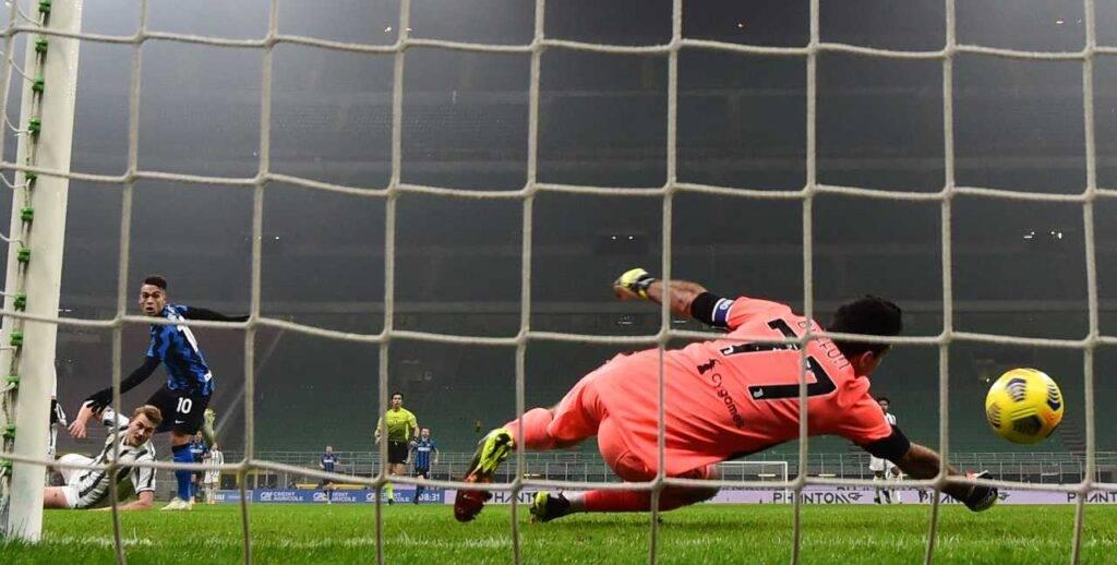 Buffon subisce il gol di Lautaro