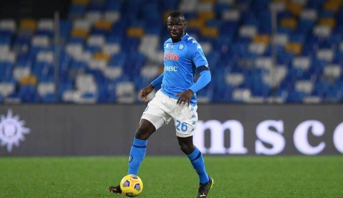 Koulibaly in fase d'impostazione con il Napoli