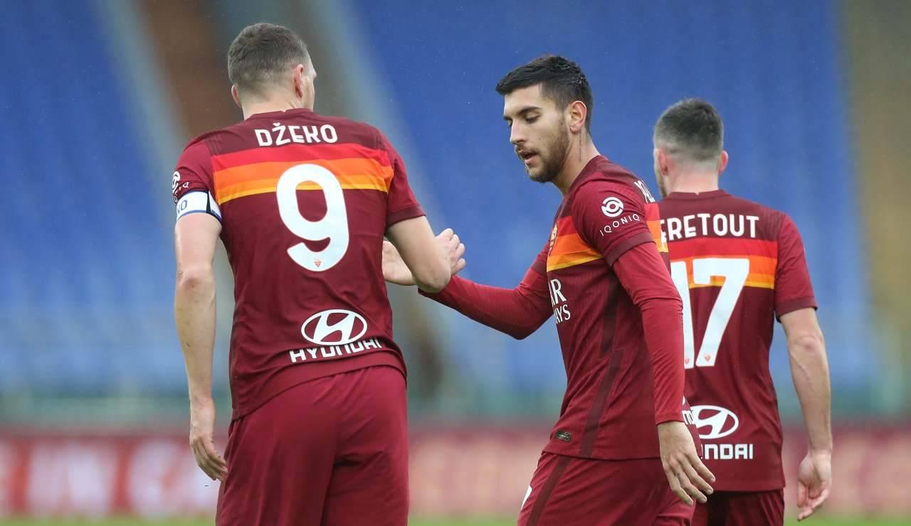 """Dzeko e Pellegrini si scambiano il """"cinque"""""""
