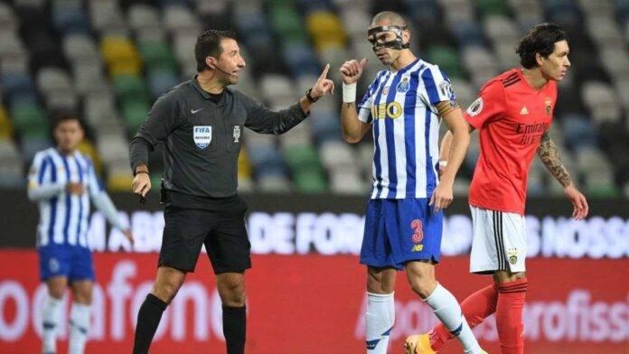 Pepe a colloquio con l'arbitro