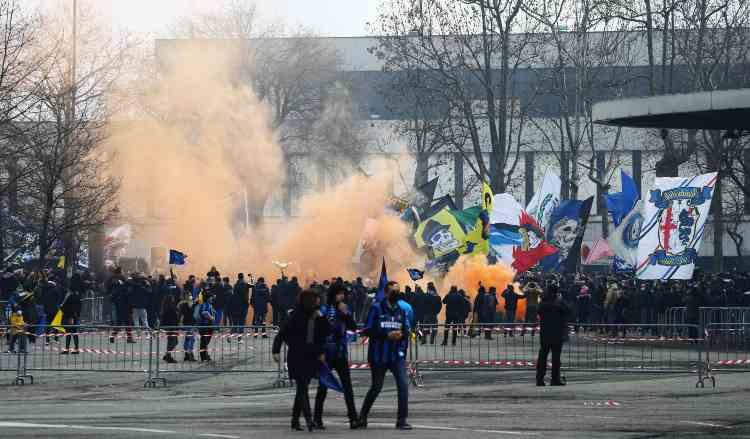 Tifosi dell'Inter a San Siro