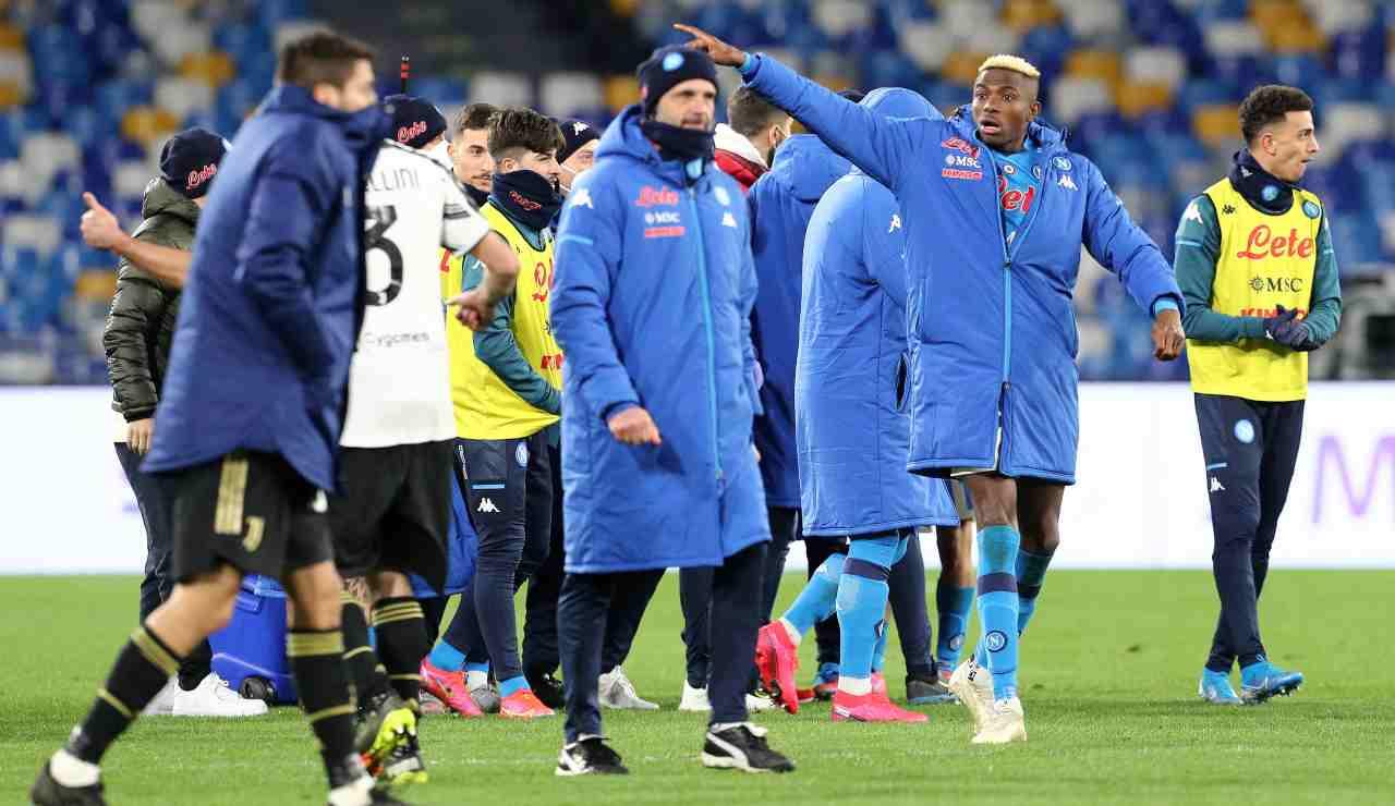 Osimhen Ronaldo maglia Napoli Juventus