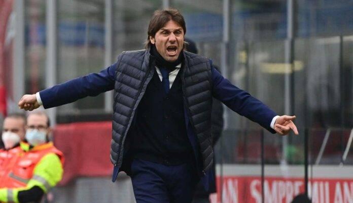 Antonio Conte sbraccia