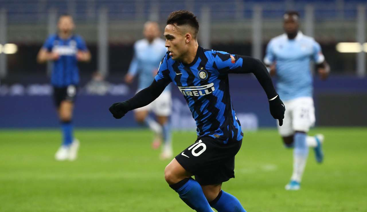 Lautaro Martinez in azione contro la Lazio
