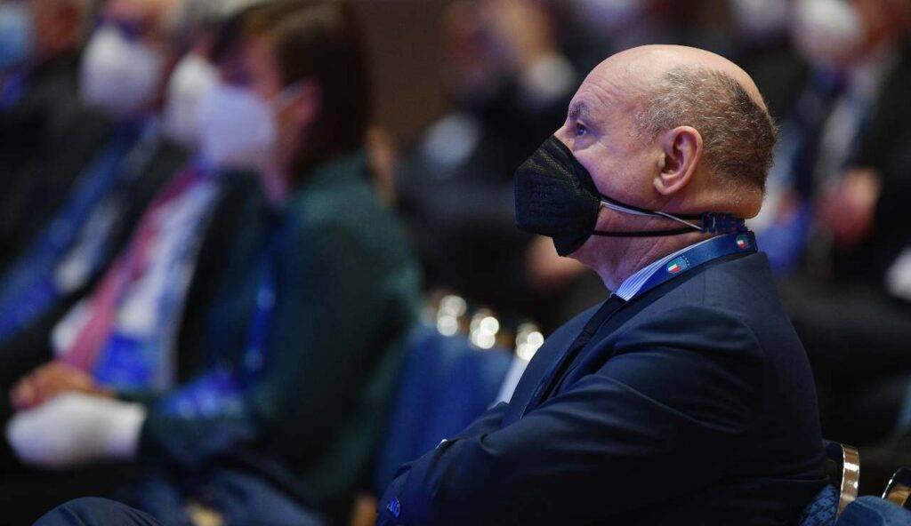 Marotta con la mascherina