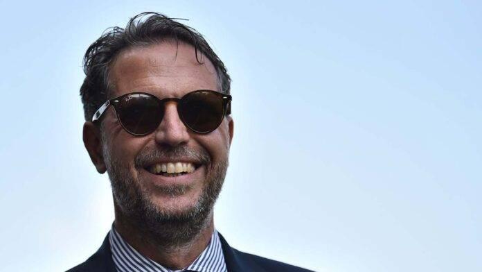 Fabio Paratici sorride