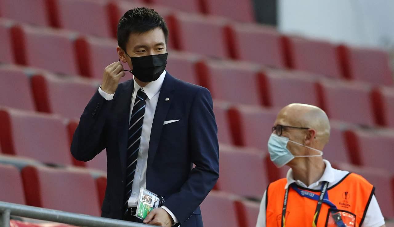 Steven Zhang con la mascherina