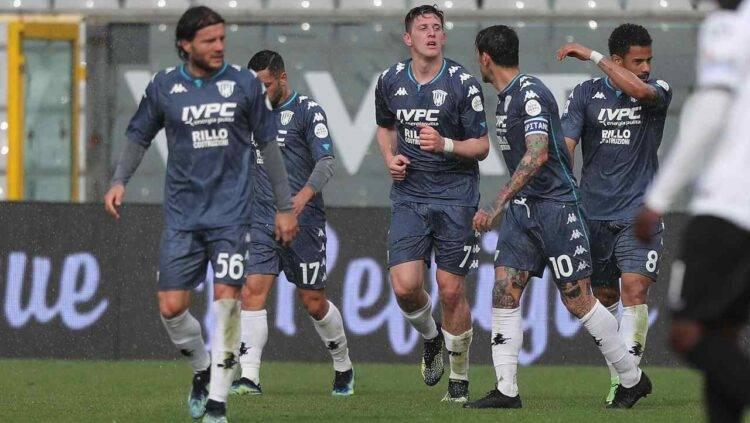 Gaich esulta al suo primo gol in Serie A in Spezia-Benevento