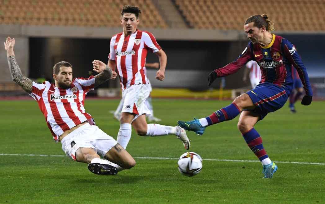 Griezmann in azione contro l'Atlético Madrid