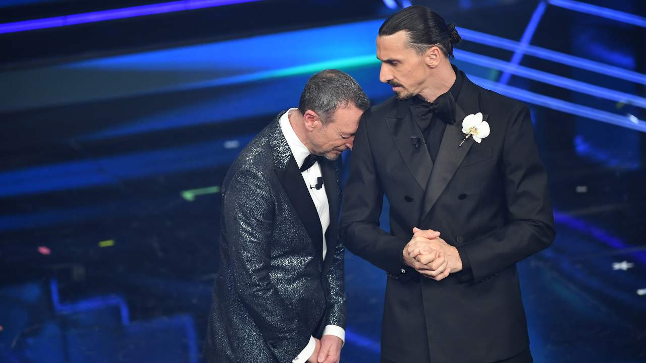 Ibrahimovic e Amadeus sul paco dell'Ariston