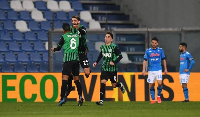 Caputo esulta al gol contro il Napoli