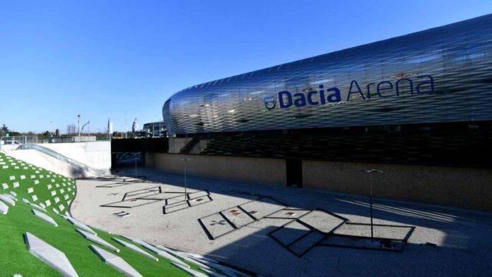 Dacia Arena dall'esterno