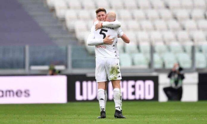 Gaich esulta dopo il gol alla Juventus