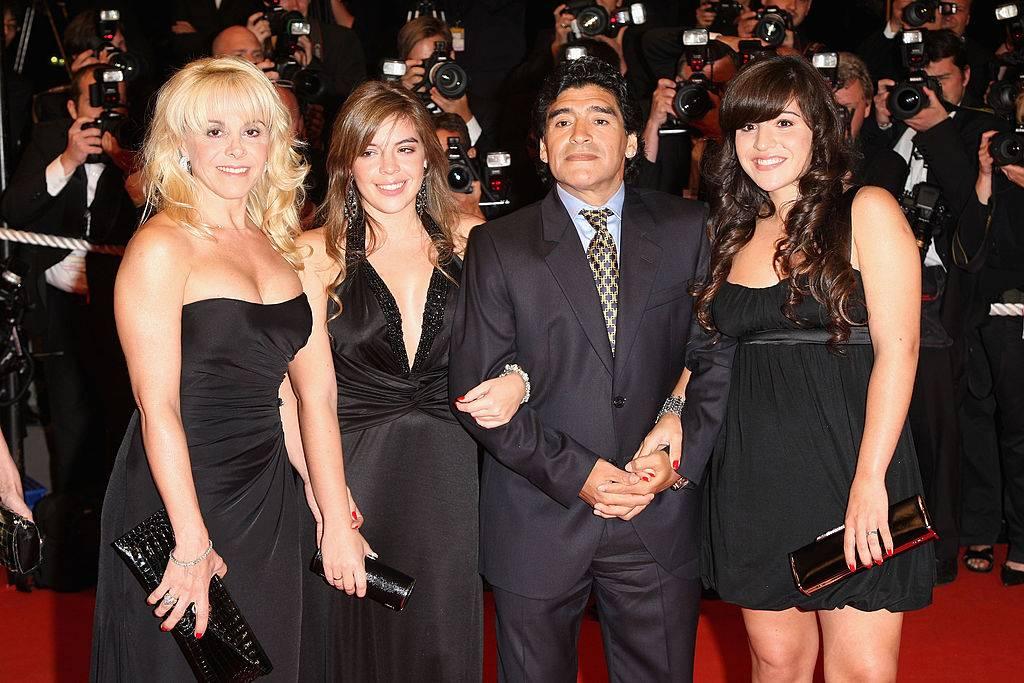 Maradona con le figlie e Claudia