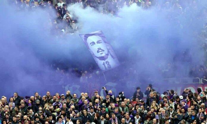 Striscioni per Astori da parte dei tifosi della Fiorentina