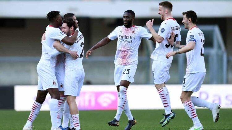 L'esultanza dei calciatori del Milan