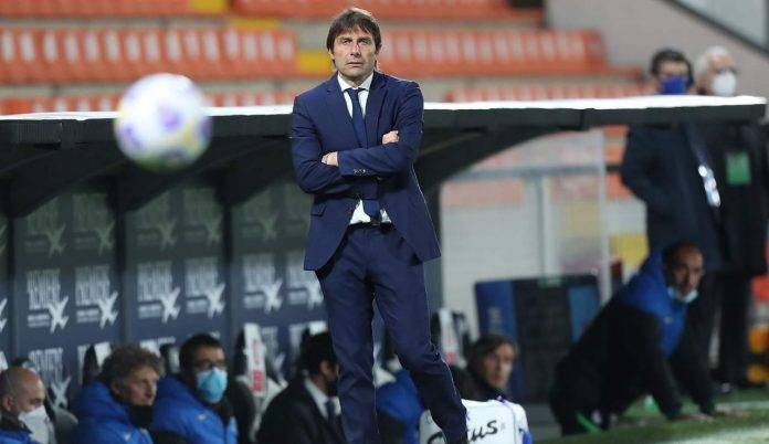 Antonio Conte sulla panchina dell'Inter