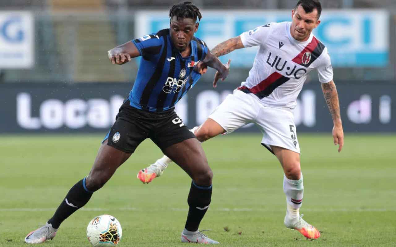 Zapata contro Medel in Atalanta-Bologna