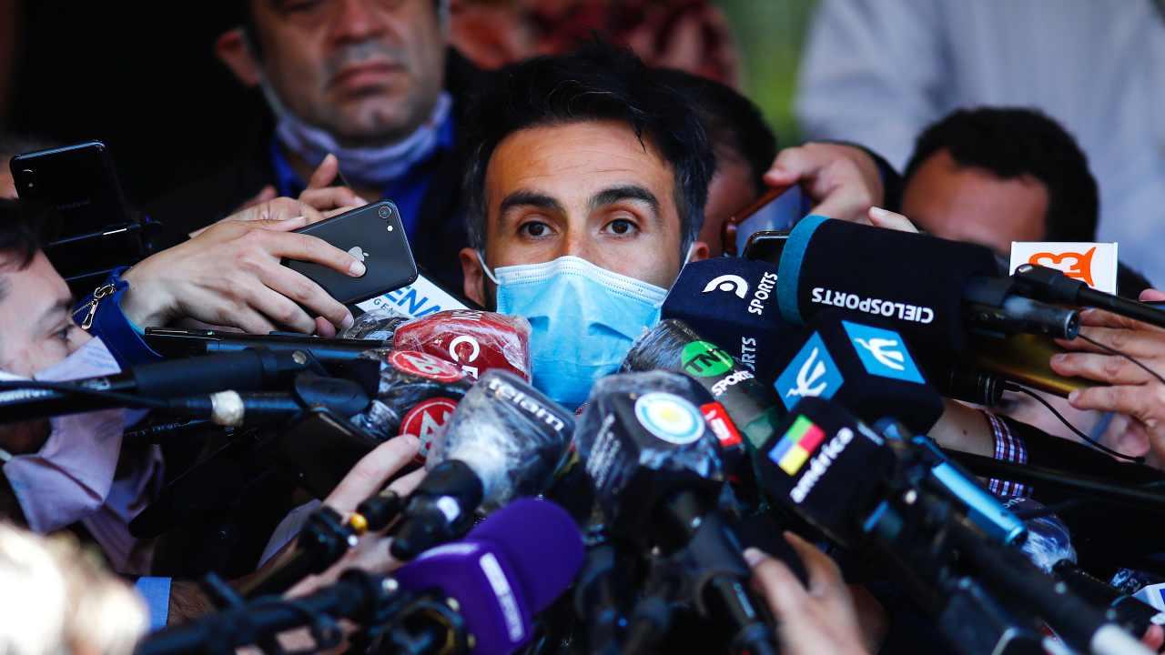 Lepoldo Luque con i giornalisti