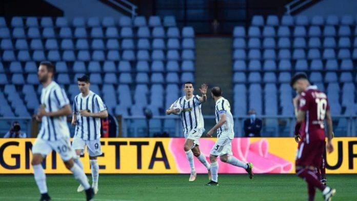 esultanza Ronaldo con Chiellini