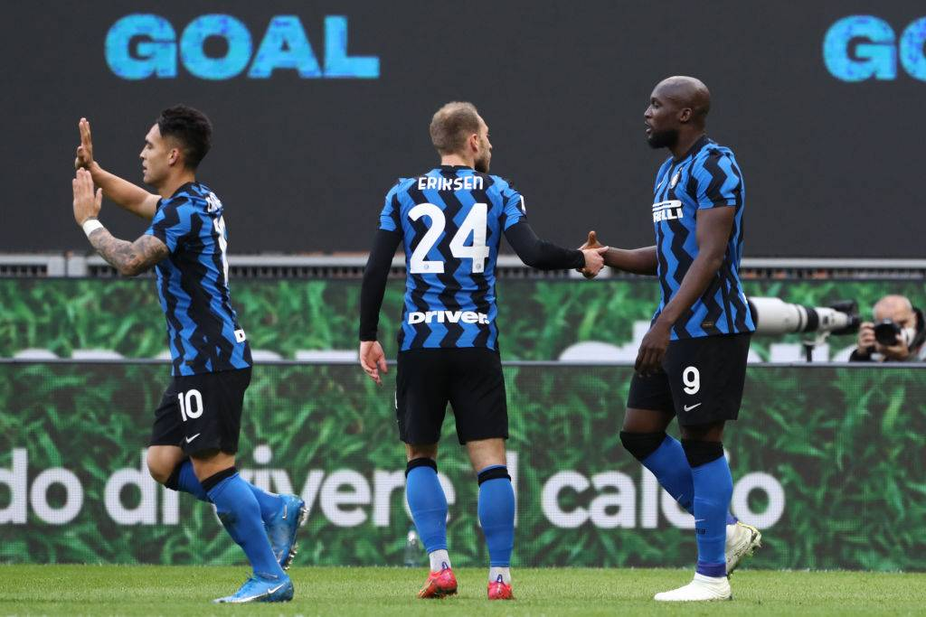 Lukaku esulta al gol in Inter-Sassuolo