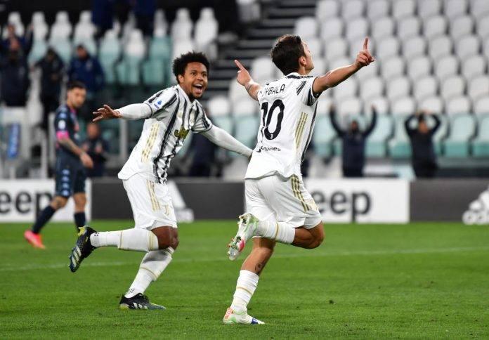 Dybala esulta dopo il gol in Juventus-Napoli
