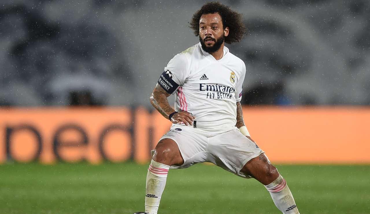 Marcelo controlla il pallone